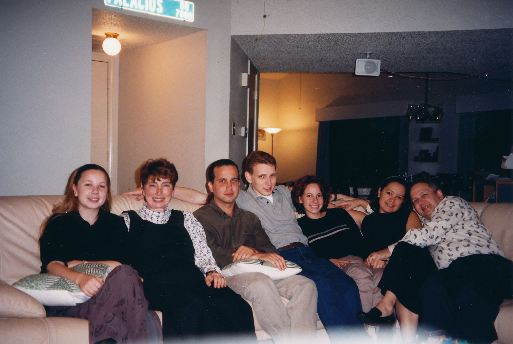 Thanksgiving 1999. (L-R) Cheryl Mayoff, Denise Mayoff, Jeffrey Mayoff, Rob Mayoff, Beth Mayoff, Delia Hoker, Bernie Mayoff